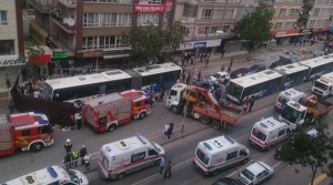ankara-da-belediye-otobusu-yolcu-duragina-girdi-6118872