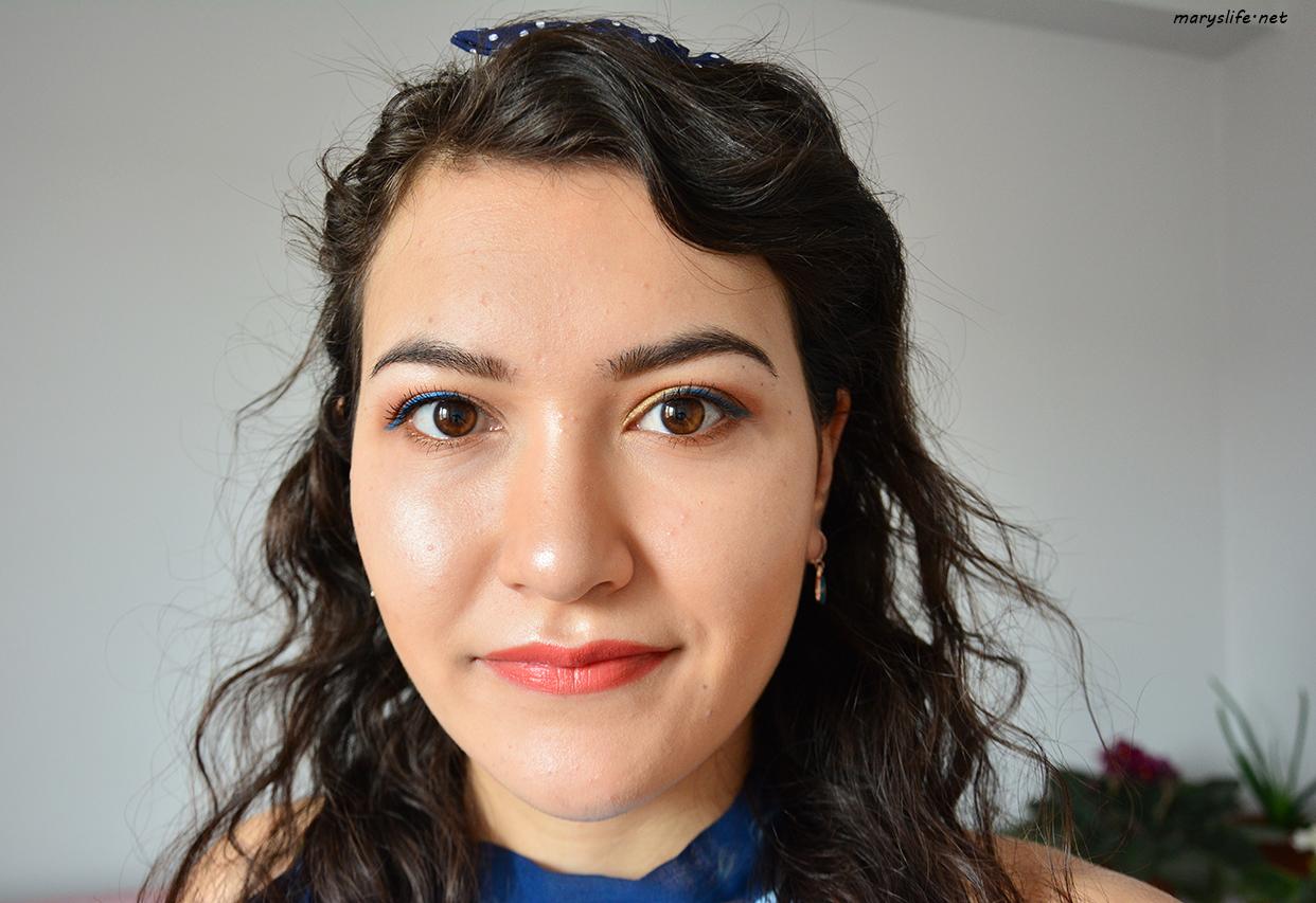 Mavi Eyeliner Makyajı