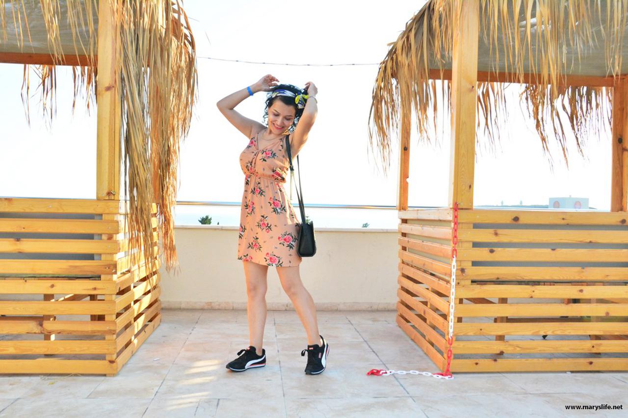 Yazlık Çiçekli Elbise Modelleri