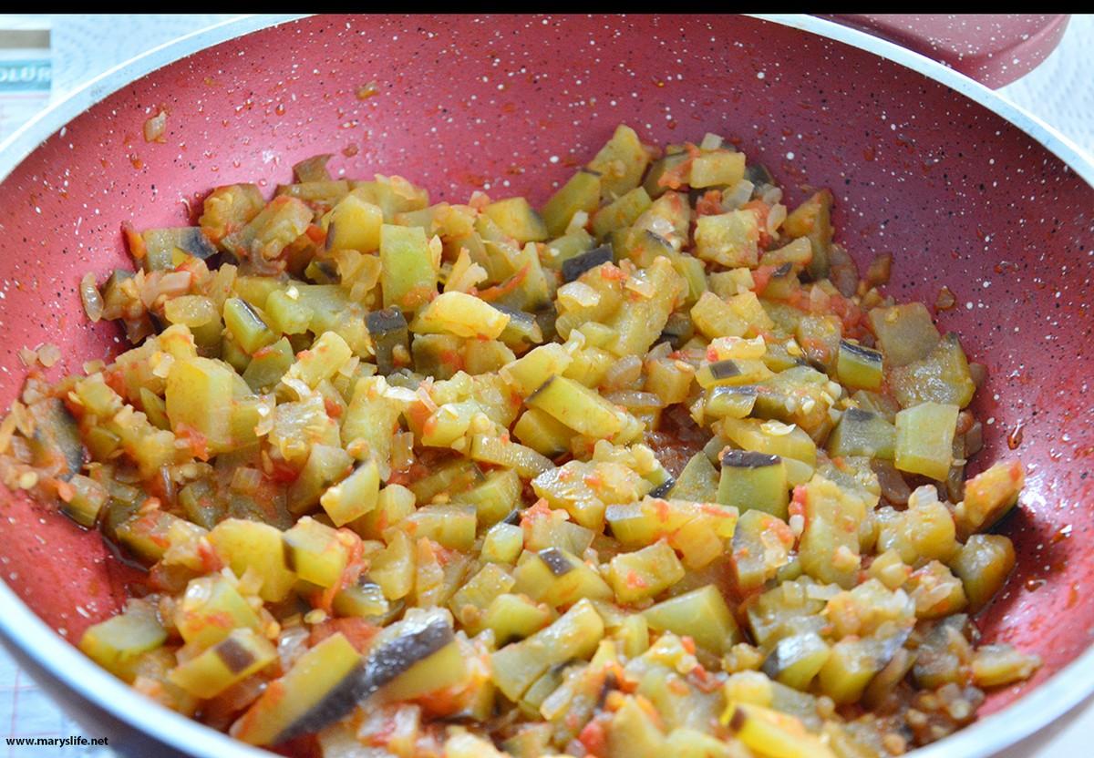 Patlıcanlı Gözleme Nasıl Yapılır?