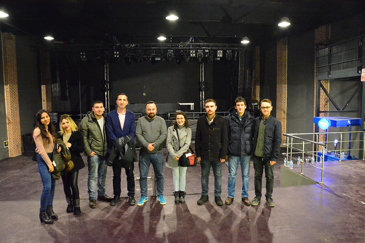 Milyon Performance Hall Sahne