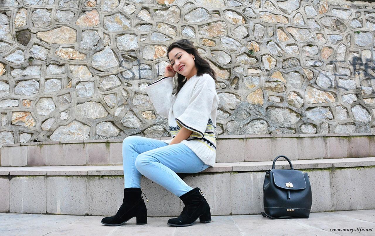Açık Mavi Kot Pantolon Kombinleri