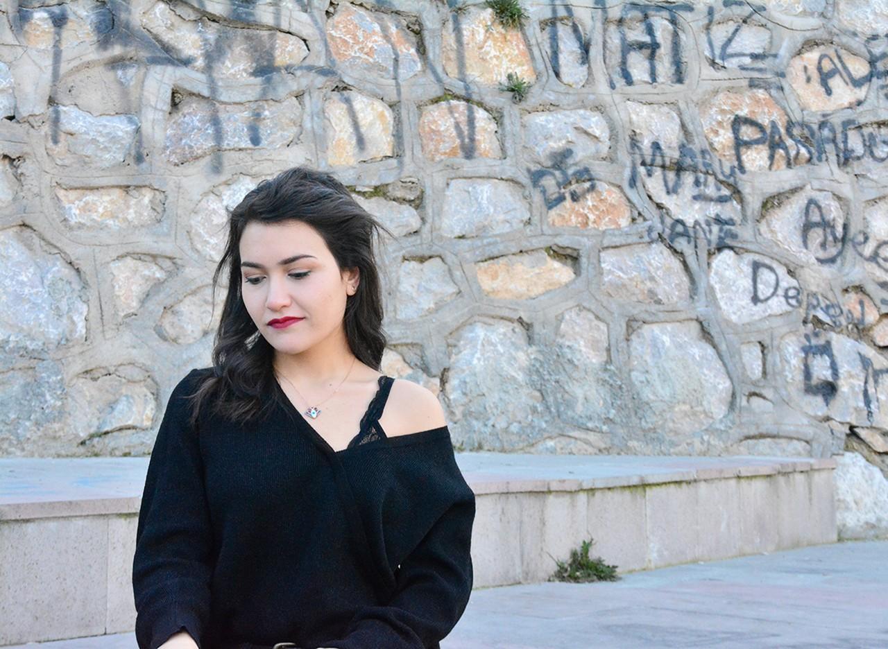 V Yaka Düşük Omuz Kazak Modelleri