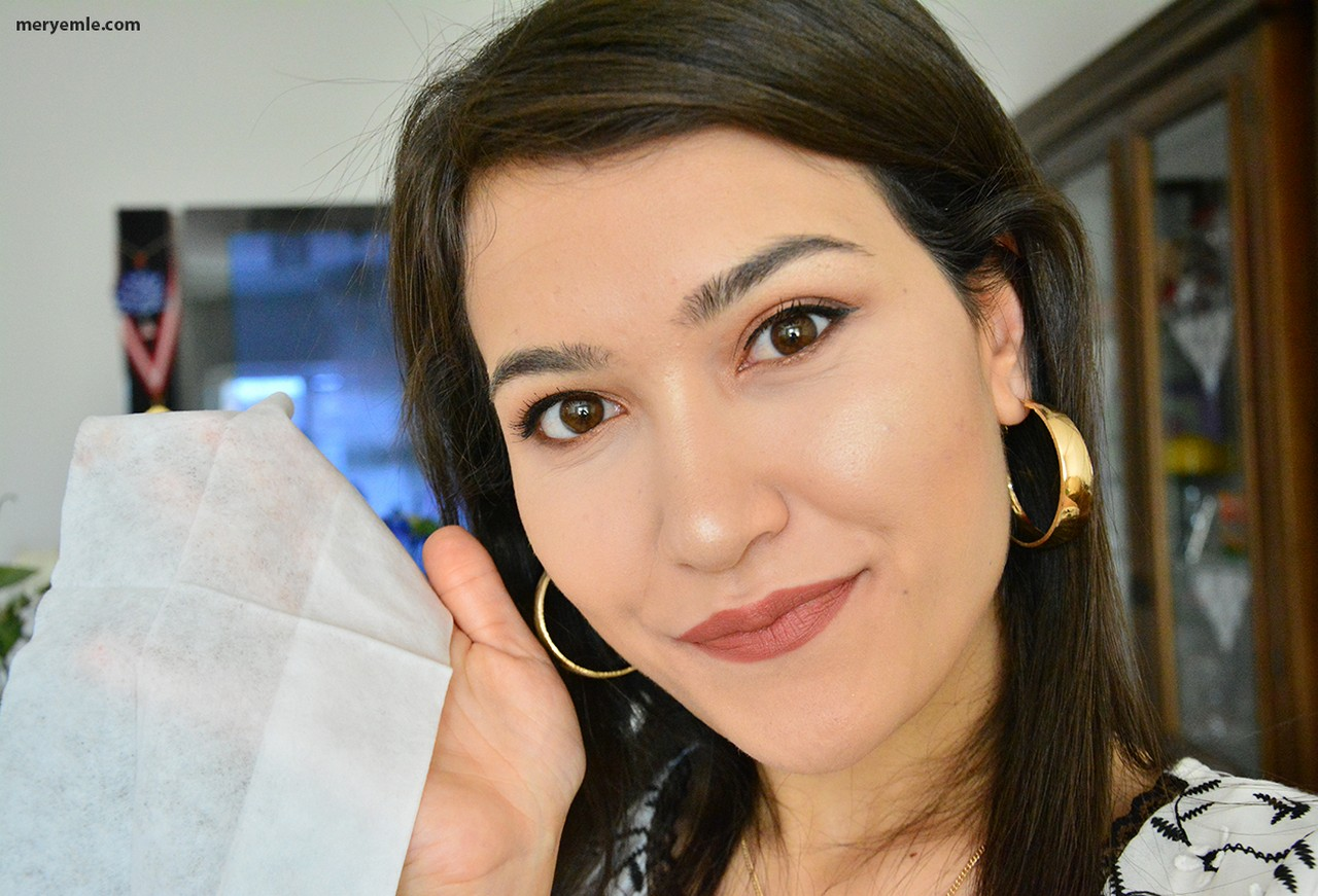 Nays Collection Makyaj ve Cilt Temizleme Mendili Nasıl Kullanılır?