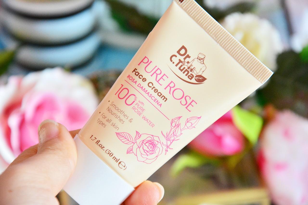Farmasi Pure Rose Yüz Kremi Faydaları