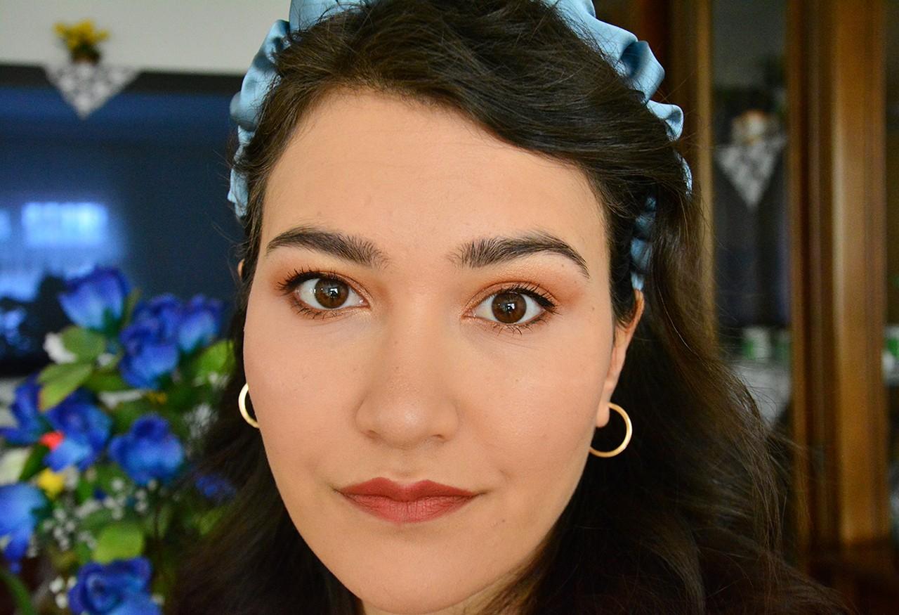 Benefit The Porefessional Gözenek Küçültücü Makyaj Bazı Kullananlar