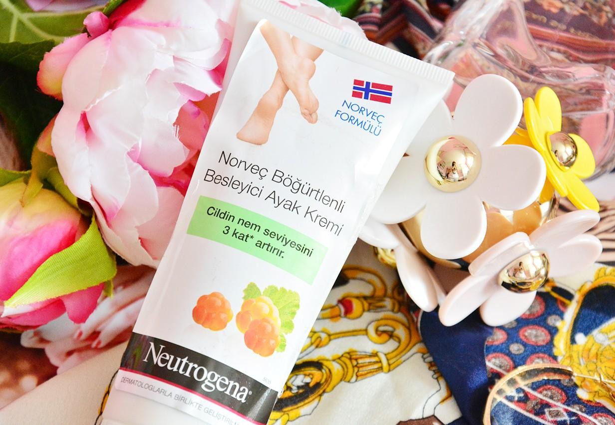 Neutrogena Norveç Böğürtlenli Besleyici Ayak Kremi Yorumlar