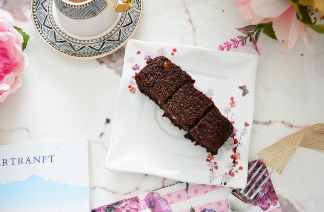Unsuz Şekersiz Kakaolu Muzlu Kek Nasıl Yapılır?
